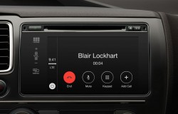 Apple CarPlay Phone Feature
